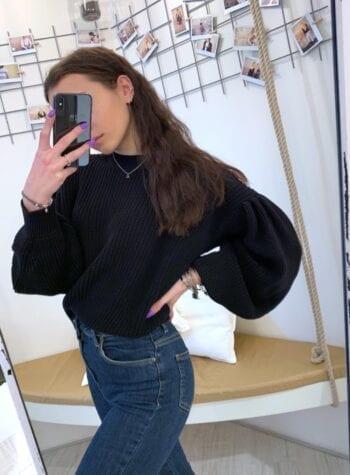 Shop Online Maglione nero maniche a sbuffo Vicolo