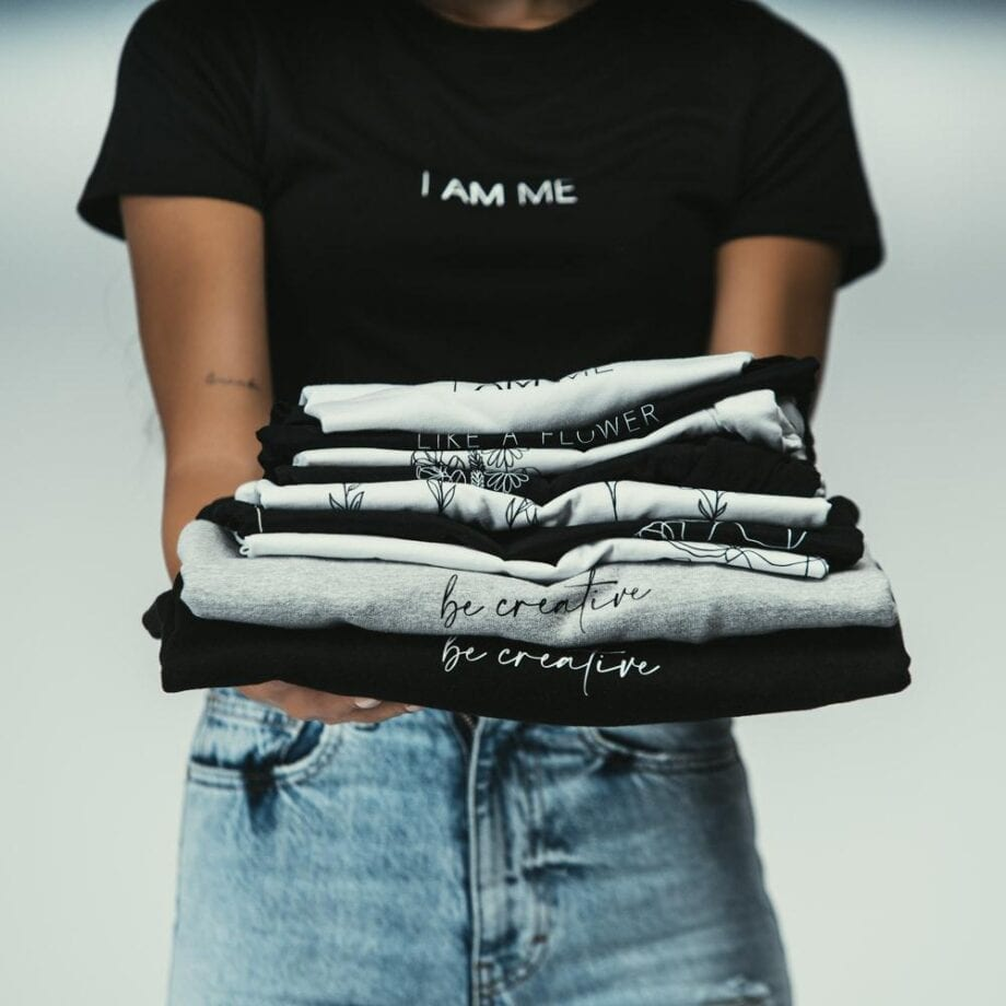 Shop Online T-shirt corta bianca I AM ME