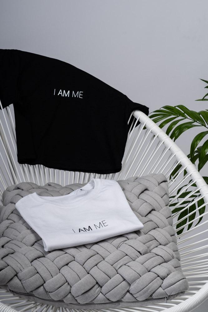 Shop Online T-shirt corta bianca I AM ME