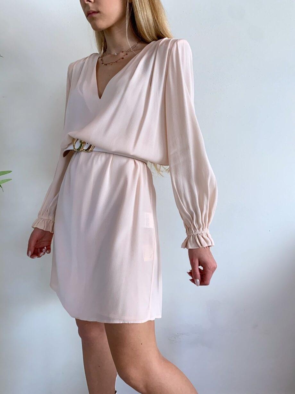 Shop Online Vestito rosa con spalle imbottite So Allure