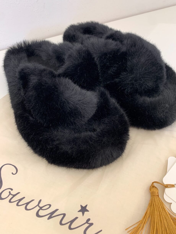 Shop Online Ciabatte nere in peloncino e gomma Souvenir