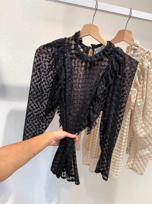 Shop Online Maglietta traforata nera So Allure