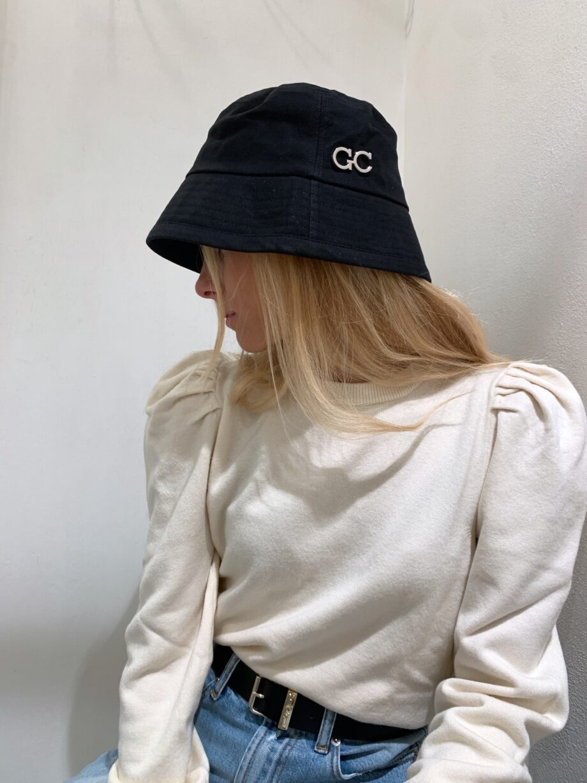 Shop Online Capello nero in ecopelle con visiera Gio Cellini