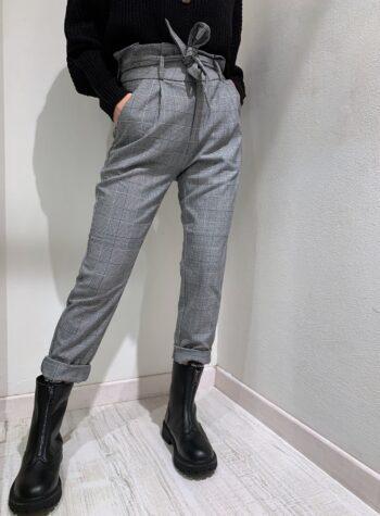 Shop Online Pantalone in tessuto a quadri con cintura Vero Moda