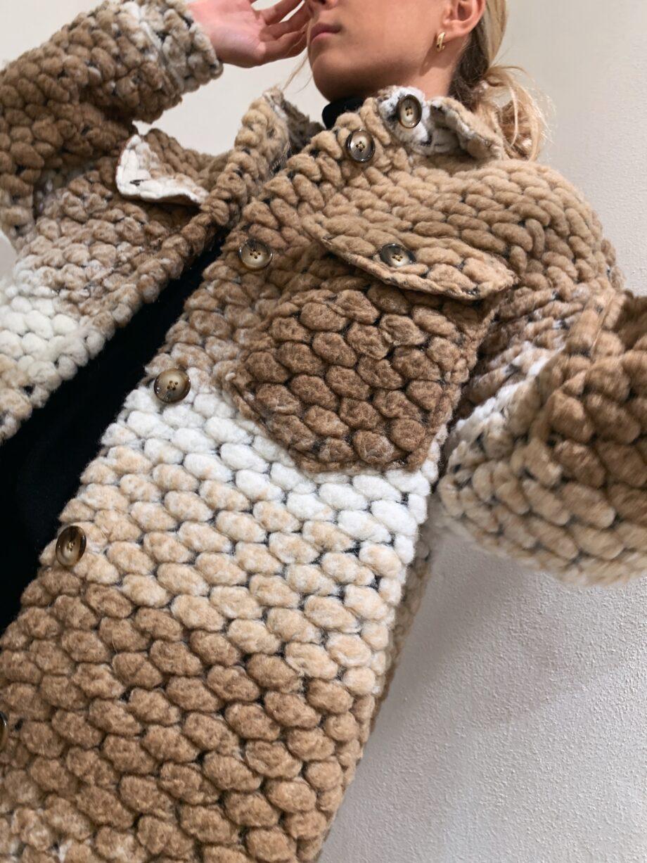 Shop Online Giaccone in lana sulle sfumature del beige Kontatto
