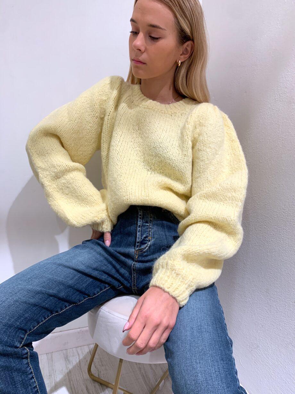 Shop Online Maglione morbido giallo maniche a sbuffo So Allure