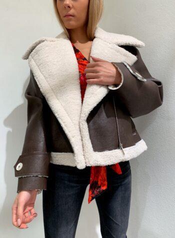 Shop Online Montone marrone scuro e pelliccia panna HaveOne