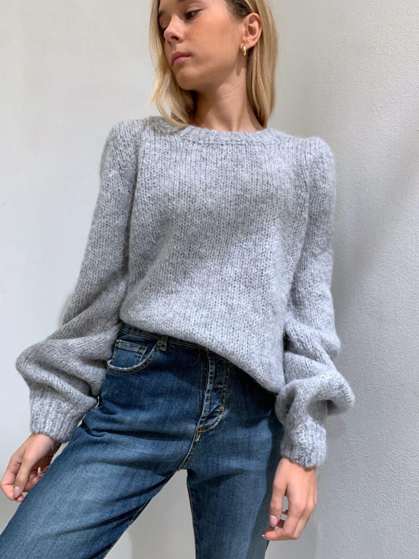 Shop Online Maglione morbido grigio maniche a sbuffo So Allure