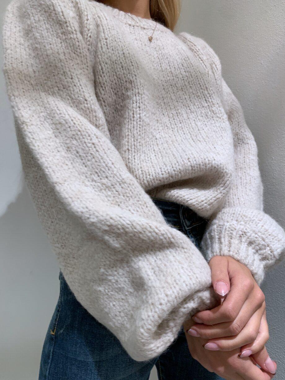 Shop Online Maglione morbido beige maniche a sbuffo So Allure