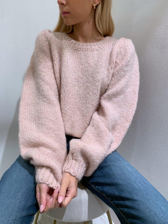 Shop Online Maglione morbido rosa maniche a sbuffo So Allure