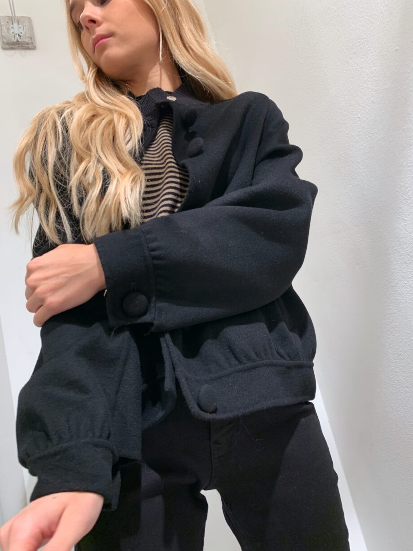Shop Online Bomber coat nero con bottoni Vicolo