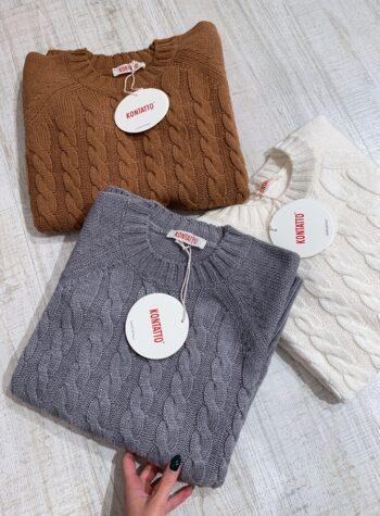 Shop Online Maglione lungo panna con trecce Kontatto