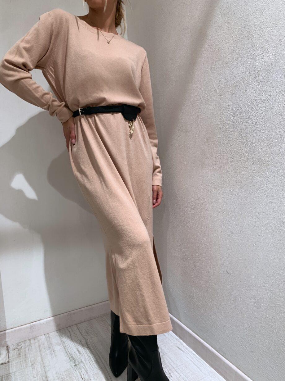 Shop Online Vestito lungo in maglia beige So Allure