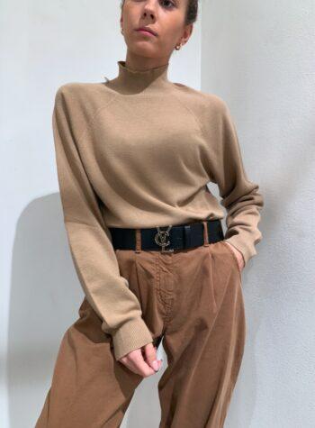 Shop Online Maglia rasata cammello collo alto e maniche palloncino Kontatto