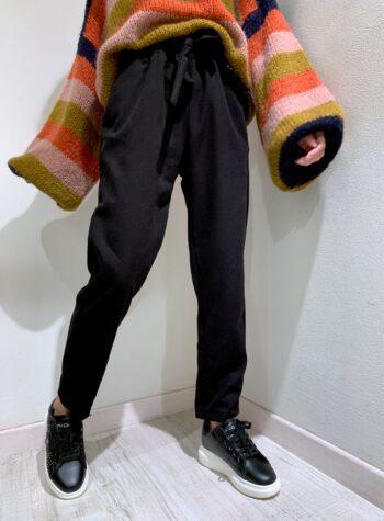 Shop Online Pantalone in velluto nero Souvenir