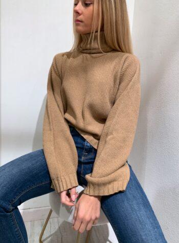 Shop Online Maglioncino scatoletta marrone collo alto Kontatto