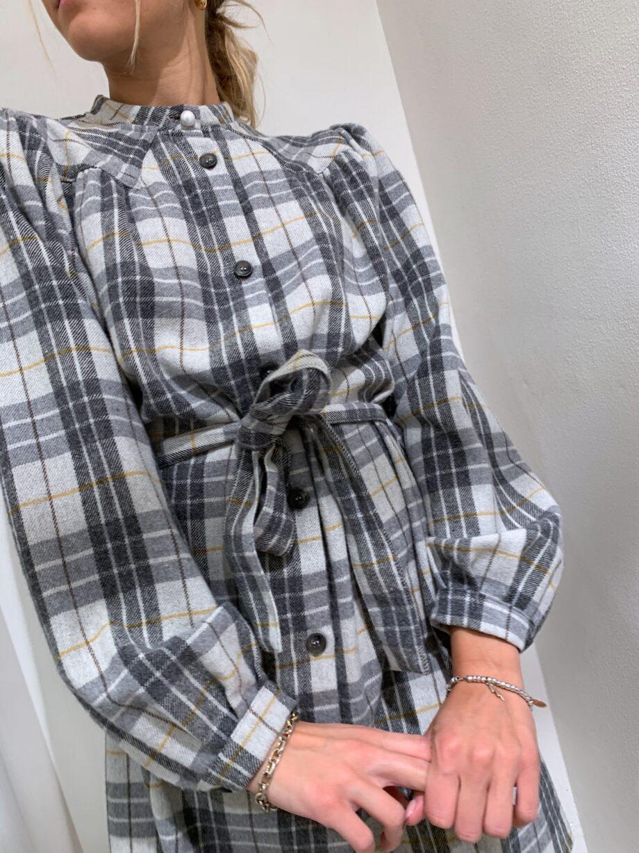 Shop Online Vestito corto grigio in flanella a quadri So Allure