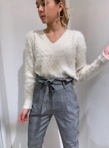 Shop Online Maglione panna peloncino scollo a V Vero Moda